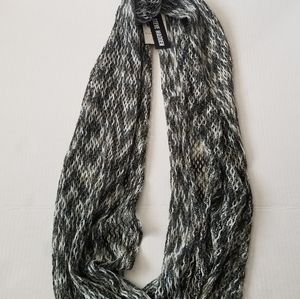 Steve Madden Grey and White Infinity Scarf